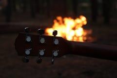 Juego en guitarra Imágenes de archivo libres de regalías