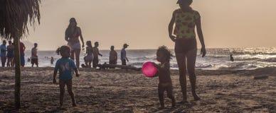 Juego en la playa Foto de archivo libre de regalías