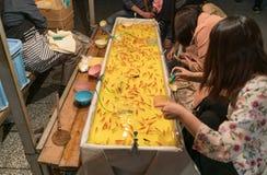 Juego japonés del festival del pez de colores Imágenes de archivo libres de regalías