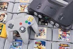 Juego video retro clásico en Nintendo N64 imágenes de archivo libres de regalías