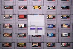 Juego video retro en el Super Nintendo mini imagen de archivo libre de regalías
