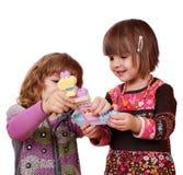 Juego y diversión de las niñas Imagen de archivo libre de regalías