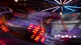 Juegos de alta velocidad en el movimiento por noche vídeo almacen de metraje de vídeo