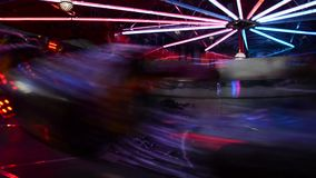 Juegos de alta velocidad iluminados por noche vídeo almacen de metraje de vídeo
