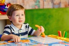 Juegos del niño pequeño Foto de archivo
