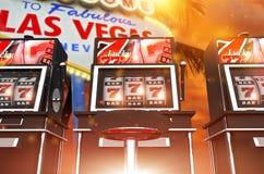 Juegos famosos de la ranura de Las Vegas fotografía de archivo