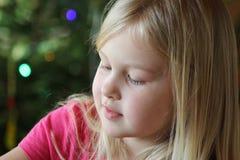 Juegos hermosos de la muchacha Imagen de archivo libre de regalías