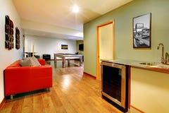 Juegue el interior del hogar del sitio del partido con el vector de piscina. Imágenes de archivo libres de regalías