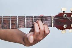 Juegue la versión 22 de la guitarra a mano foto de archivo libre de regalías