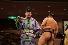 Juez después del emparejamiento del sumo Imagen de archivo libre de regalías