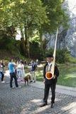 Jugador de Alphorn en Lucern, Suiza Imagen de archivo