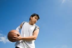 Jugador de básquet asiático Foto de archivo