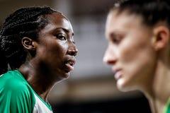Jugador de básquet australiano, Ezi Magbegor, durante el mundial 2018 del baloncesto de las mujeres imagen de archivo libre de regalías
