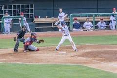Jugador de béisbol Alex Yarbrough Batting de la liga menor fotos de archivo libres de regalías