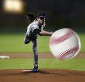 Jugador de béisbol de la jarra Fotografía de archivo libre de regalías