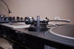 Jugador de disco de vinilo para DJ Imagenes de archivo