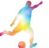 Jugador de fútbol abstracto que anota en neblina hermosa del verano