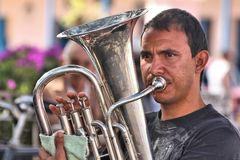 Jugador de la tuba Fotos de archivo