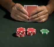 Jugador de póker del casino en vegas imagen de archivo