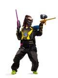 Jugador de Painball en la acción aislado Fotografía de archivo