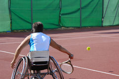 Jugador de tenis del sillón de ruedas Fotografía de archivo