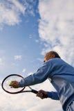 Jugador de tenis mayor fotografía de archivo libre de regalías