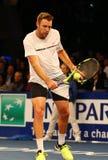 Jugador de tenis profesional Jack Sock de Estados Unidos en la acción durante evento del tenis del aniversario del arreglo de cue Imagen de archivo