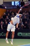 Jugador de tenis rumano Horia Tecau en la acción en un partido de la Copa Davis Imagen de archivo