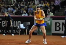Jugador de tenis Simona Halep de la mujer durante un juego Imagenes de archivo