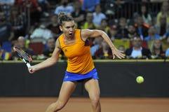 Jugador de tenis Simona Halep de la mujer durante un juego Imágenes de archivo libres de regalías
