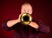 Jugador de trompeta Imagenes de archivo