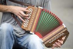 Jugador del acordión. Fotografía de archivo