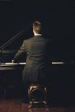 Jugador del músico de la música clásica del piano Fotos de archivo libres de regalías