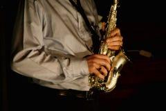Jugador del saxofón Imagenes de archivo