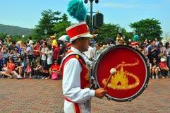 Jugador del tambor de Disneylandya Fotografía de archivo libre de regalías