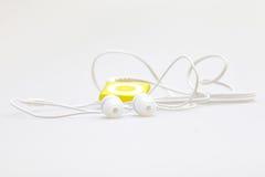 Jugador MP3 y auriculares musicales portátiles Fotos de archivo libres de regalías