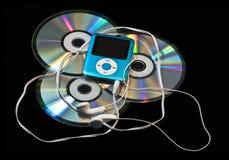 Jugador MP3 sobre los Cdes Imágenes de archivo libres de regalías