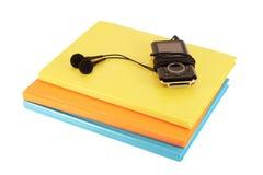 Jugador Mp3 y cuadernos Imágenes de archivo libres de regalías