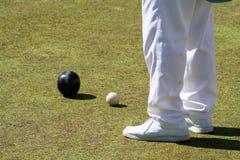 Jugador y bolas del bowling Imagen de archivo libre de regalías