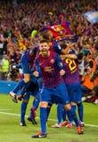 Jugadores de Barcelona que celebran una meta Imagenes de archivo