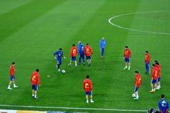 Jugadores de equipo nacional españoles del fútbol durante el calentamiento Fotografía de archivo