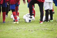 Jugadores de fútbol jovenes Imagen de archivo libre de regalías