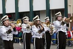 Jugadores de la banda de la High School secundaria Fotografía de archivo libre de regalías