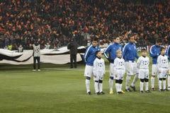 Jugadores de Oporto con los niños Fotos de archivo libres de regalías