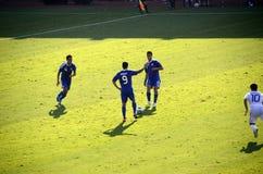 Jugadores de personas nacionales de fútbol de Israel contra los Griegos Imagenes de archivo