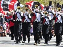 Jugadores de trompeta en el desfile Fotos de archivo libres de regalías