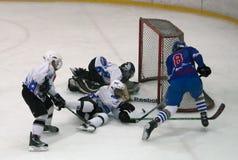 Jugadores del hockey sobre hielo en action-2 Foto de archivo libre de regalías