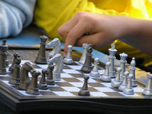Jugar a ajedrez Imagen de archivo