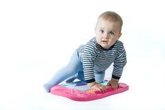Jugar al bebé fotos de archivo