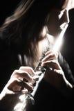 Jugar al jugador de flauta Imágenes de archivo libres de regalías